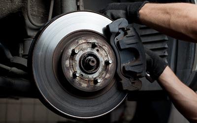 Land Rover Worn-out Brake Pads Servicing